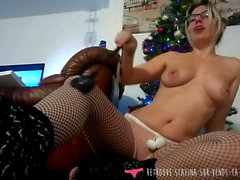 Strip Tease French Amateur Girl with Whip Vends-ta-culotte