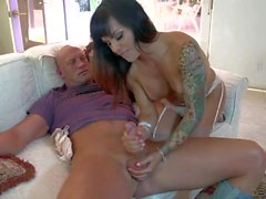 tattooed tranny with small dick gets her ass licked