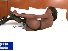 Ebony tgirl assfingers her tight hole