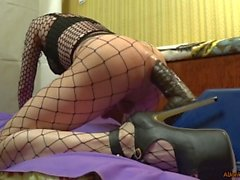 TS-girl with a big ass, trains a big hole